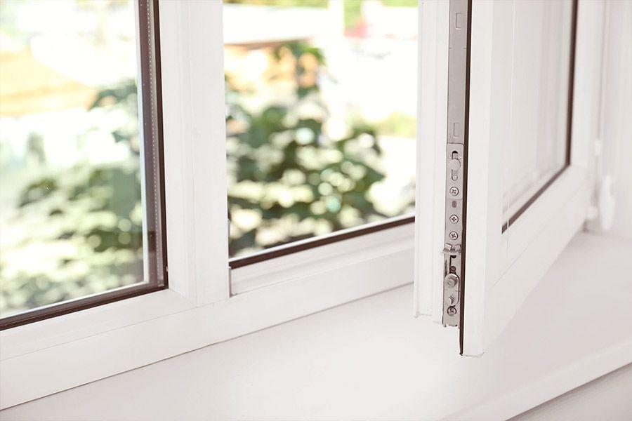 Einbau neuer Fenster zur Wärmedämmung