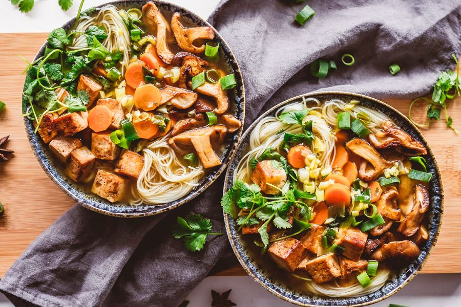 Gemüsebowl mit Tofu.