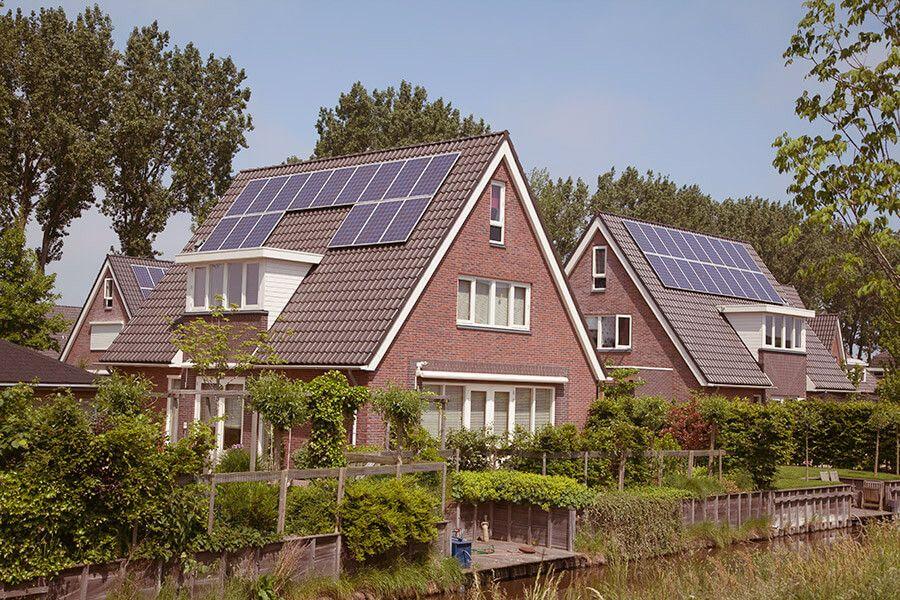 Haus mit Stromspeicher für Photovoltaik-Anlage