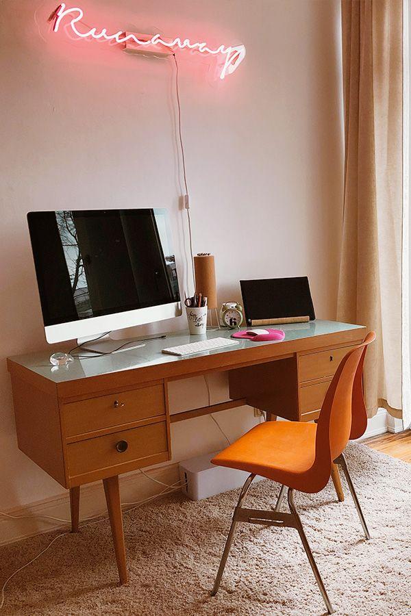 Schreibtisch im Retro-Look