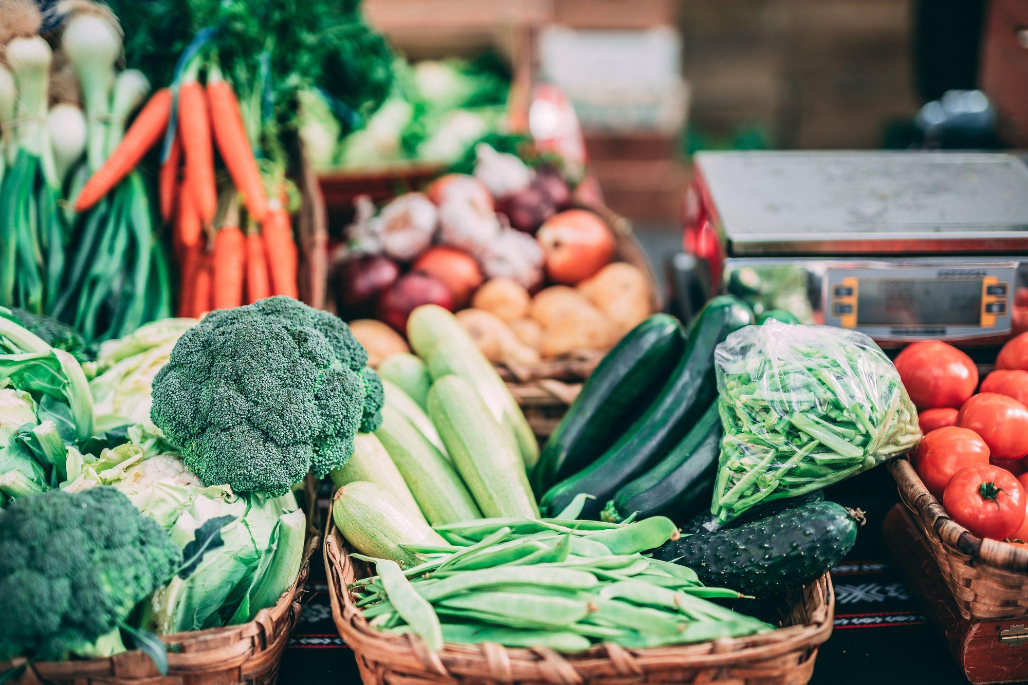 Regionales Bio-Gemüse vom Wochenmarkt