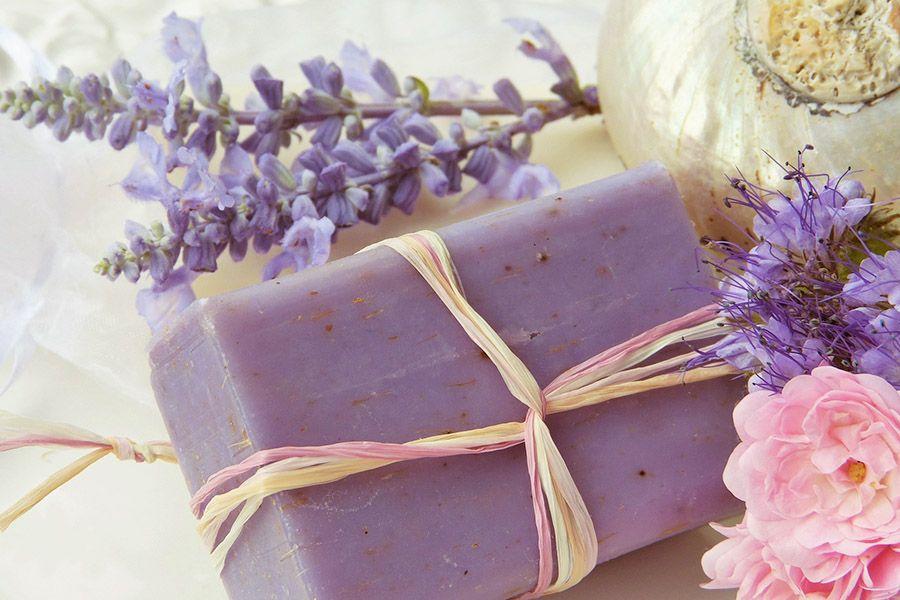 Unverpackt-Läden bieten sich toll an, Kosmetikartikel einzukaufen und zu verschenken.