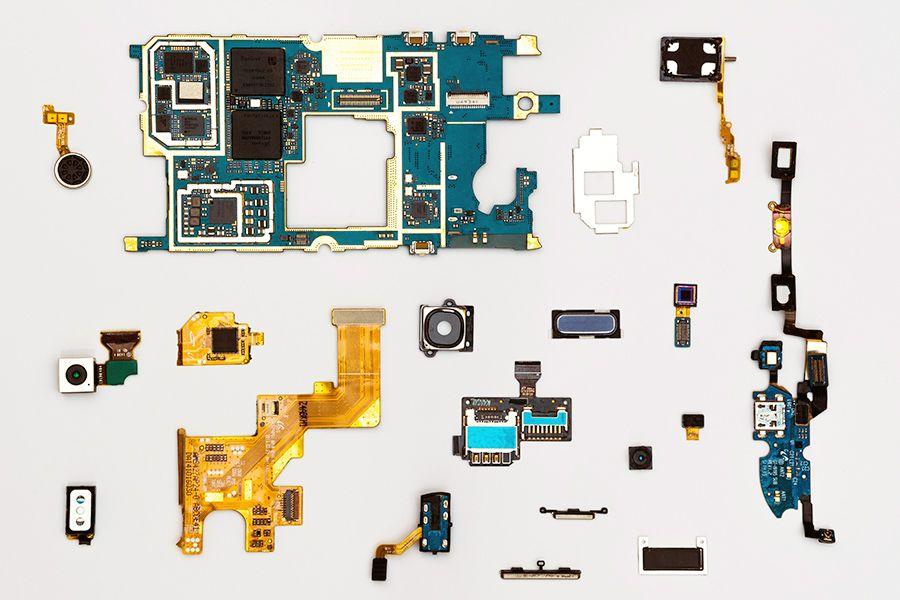 Bis zu 60 verschiedene Teile werden alleine in einem Smartphone verbaut.