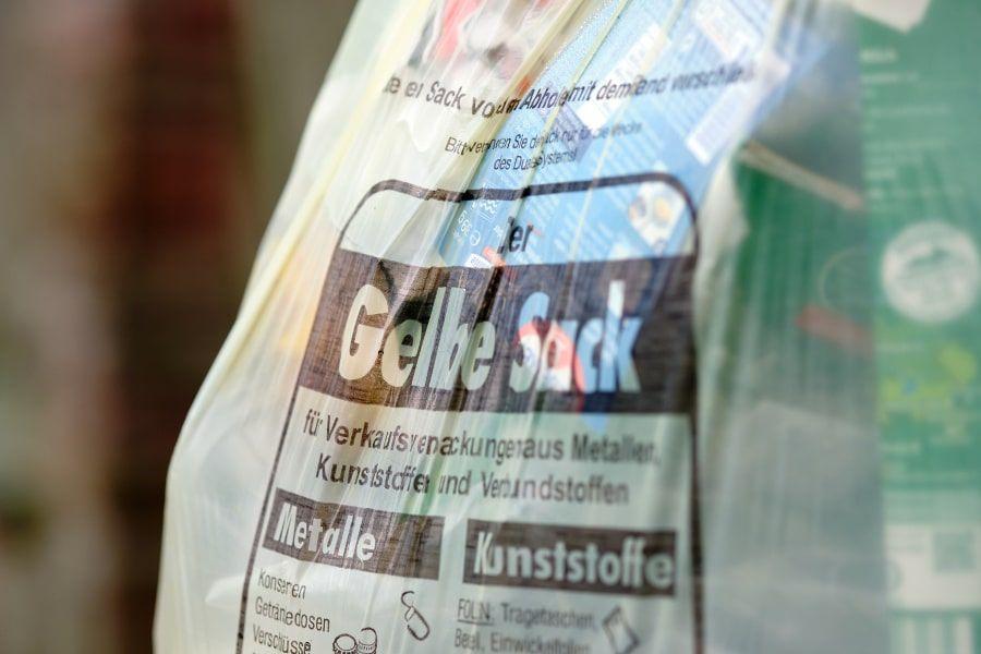 Im gelben Sack werden Verpackungen aus Kunststoff, Weißblech und Aluminium sowie Verbundverpackungen entsorgt.