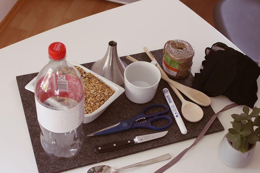 Material Bau Vogelfutterhaus aus PET-Flaschen