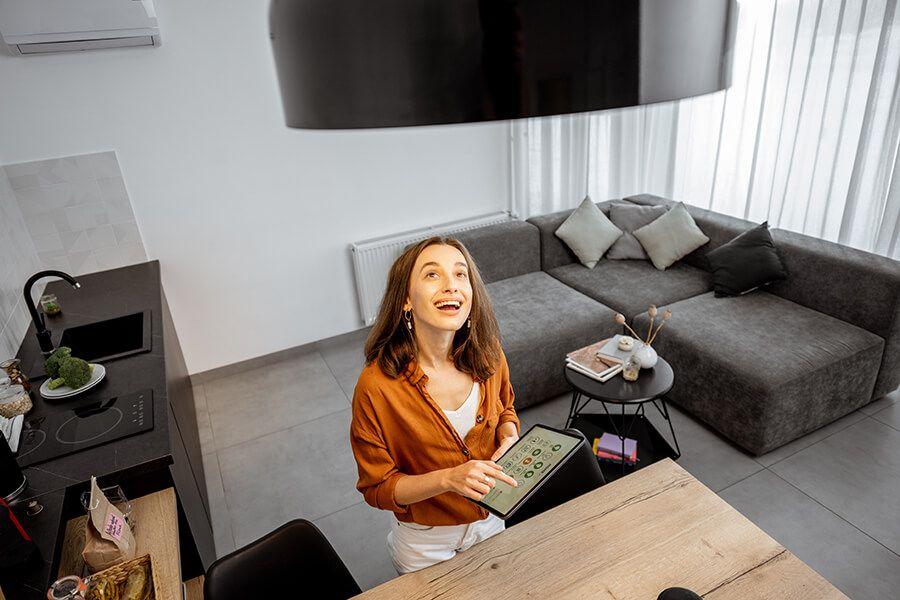 Vorteile Smart Home Lichtschalter © Shutterstock: RossHelen