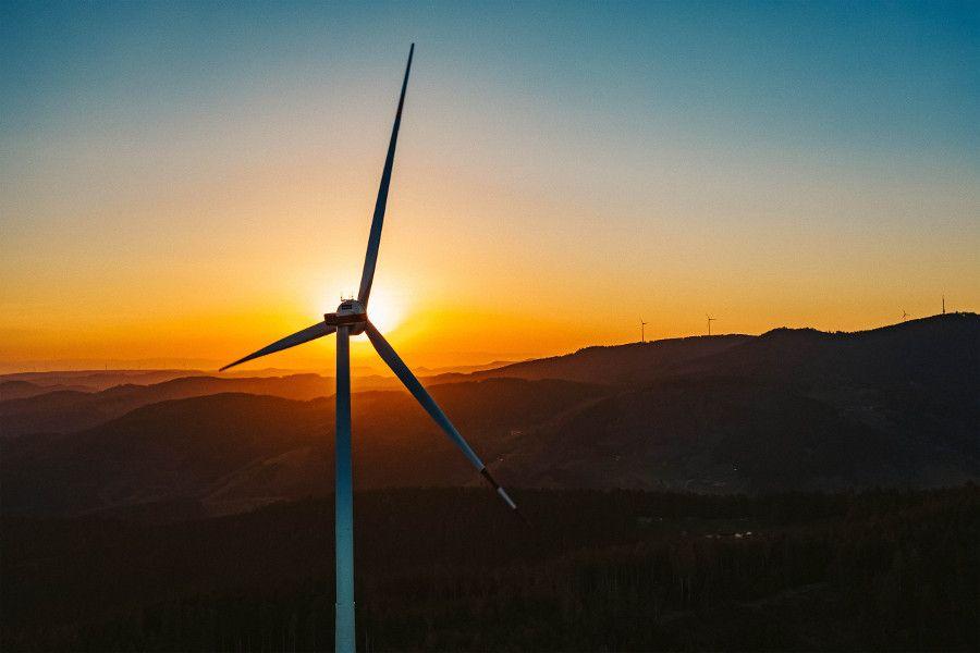 Windkraftanlagen: Funktionsweise, Geschichte und Ertrag der erneuerbaren Energiequelle